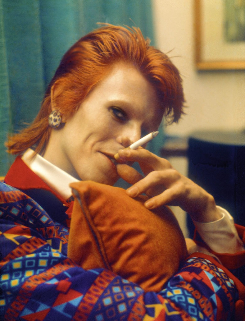 david bowie cigarette, david bowie five years, david bowie space oddity, david bowie starman, david bowie ojos, david bowie heroes, david bowie canciones, david bowie man, david bowie peliculas, david bowie heroes, david bowie iman, angela bowie,